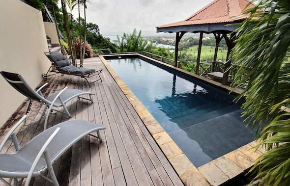 villa-luxe-martinique-trois-ilets-piscine-vue-mer-kitesurf